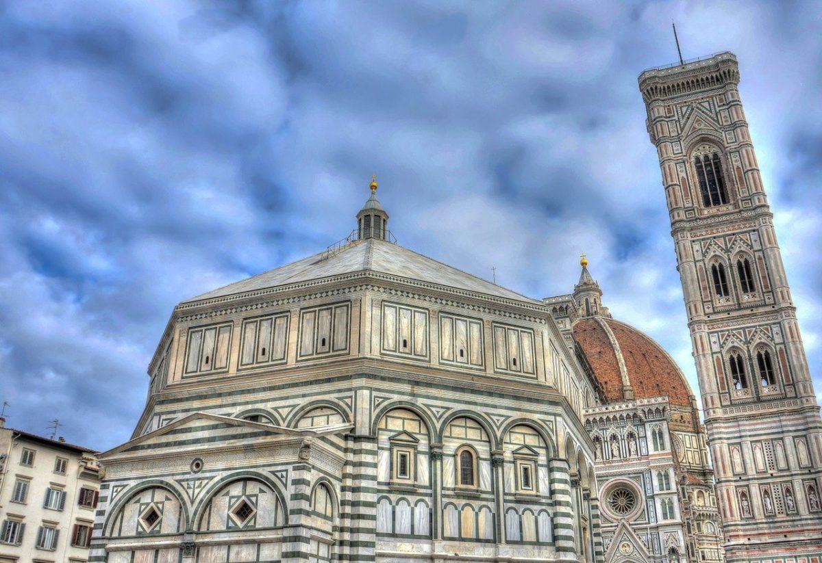 Il Battistero e il Duomo di Fienze, con la vista sulla cupola di Brunelleschi e sul campanile di Giotto