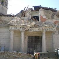 La prefettura dell'Aquila dopo il terremoto del 2009